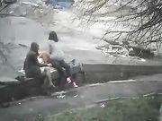 Sexo Trío en parque público con amiga