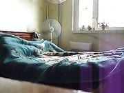 El sexo con su mujer sexy en la cama