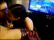 Sexo con mi novia mientras estoy jugando videojuegos