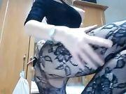 Una linda chica rumana con grandes tetas delante de la webcam