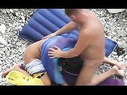 Mamada y mierda en la playa