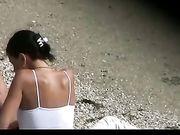 Una cámara oculta en la playa nudista