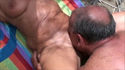Playa El Coño De Esposa En La Eyacula Mi Lame Un Extraño Y pLqUSzMVG