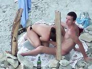 Mamada en la playa con un par ruso
