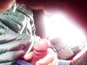 Un tipo se masturba en un autobús público