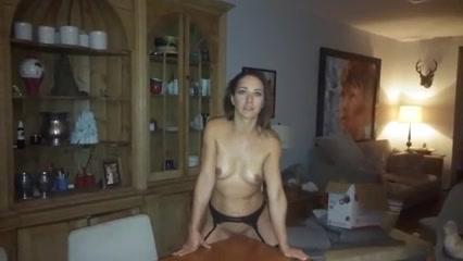 Mamá es de las que andan por casa medio desnudas